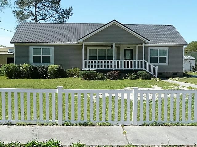 335  Lexington Road Elloree, SC 29047