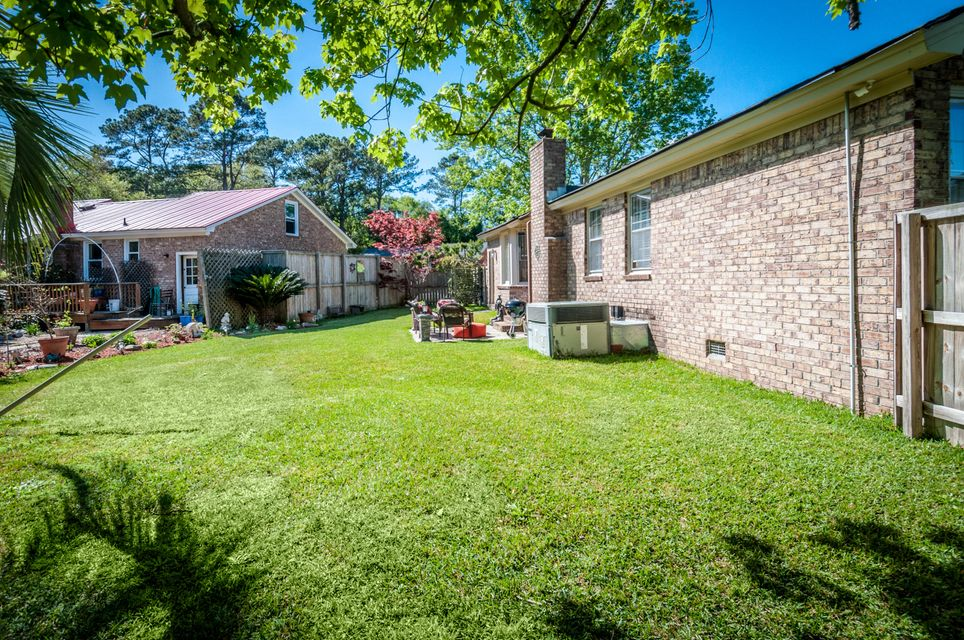 1158  Main Canal Drive Mount Pleasant, SC 29464