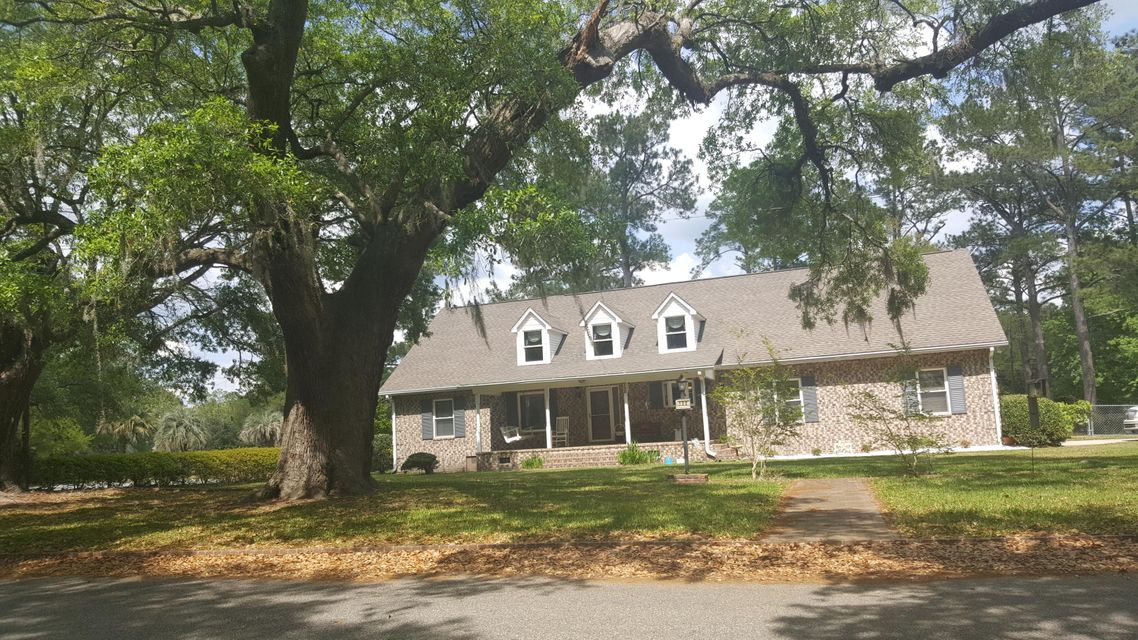 122  The Oaks Avenue Goose Creek, SC 29445
