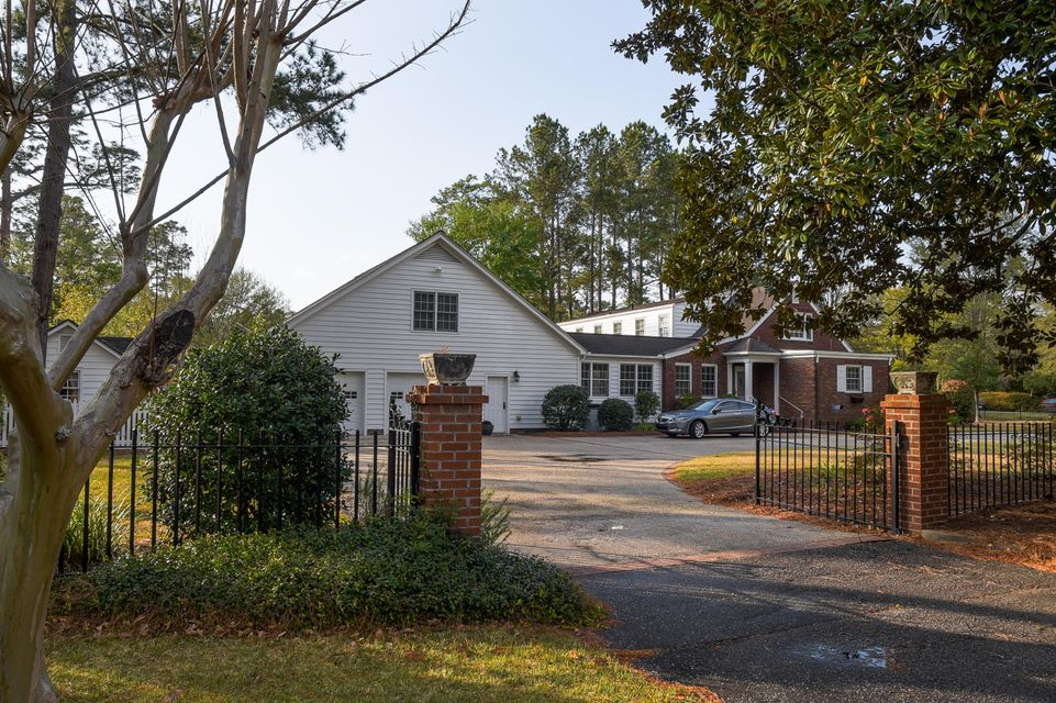 502 W 5TH North Street Summerville, SC 29483