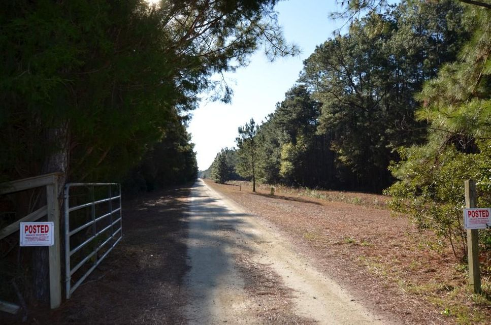 9795 Two Pines Road Mcclellanville, SC 29458