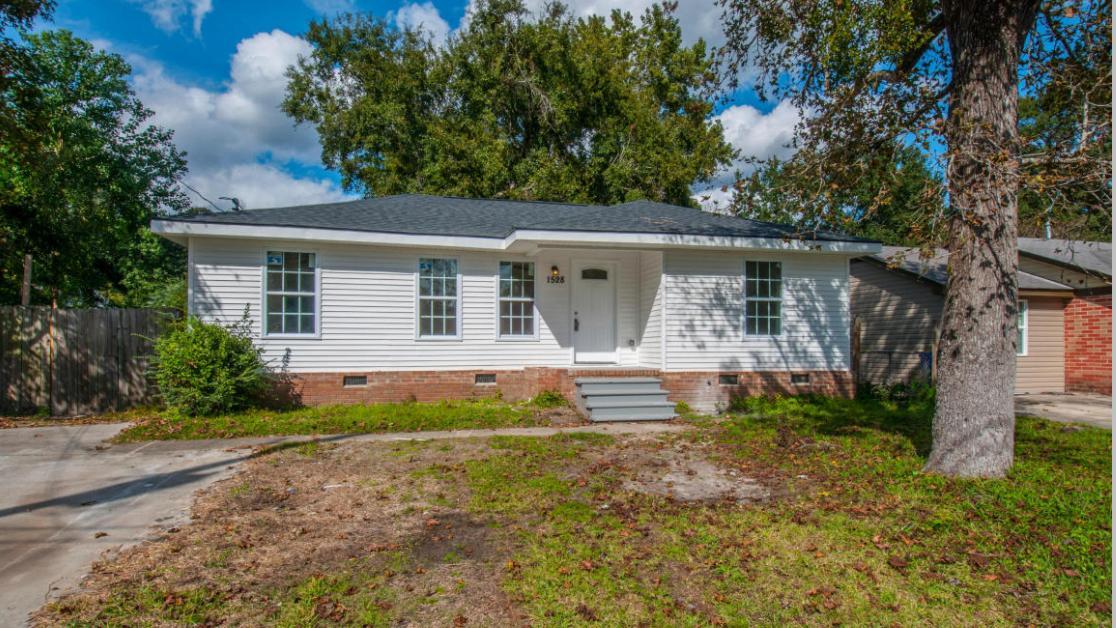 1528 Marietta Street North Charleston, SC 29406