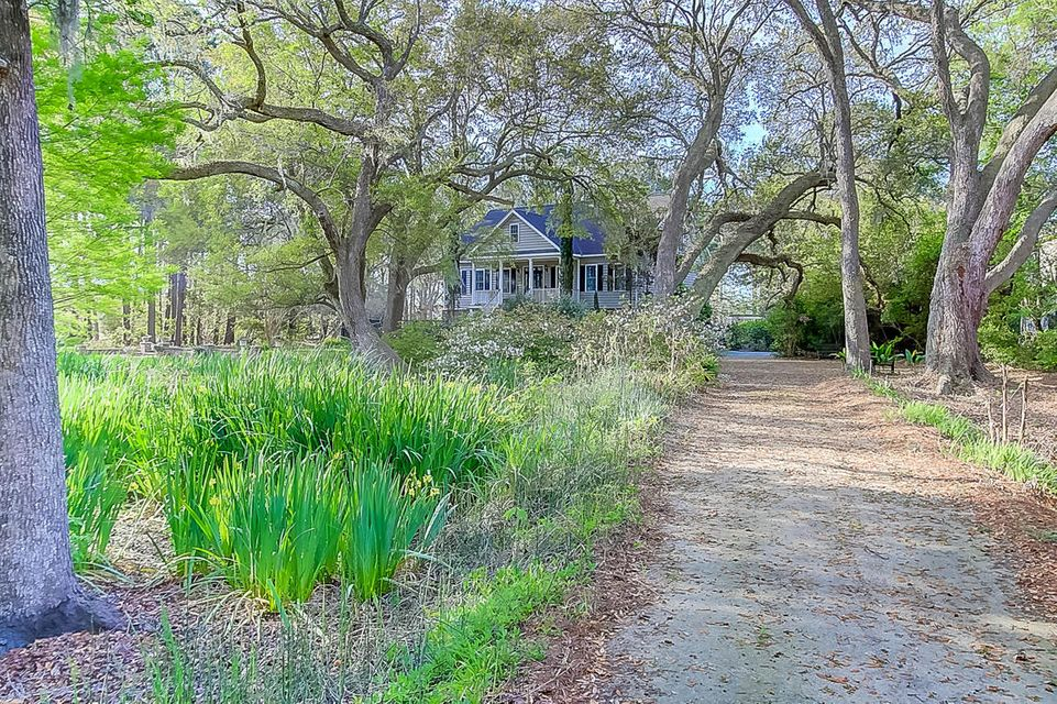 2595  Royal Oak Drive Johns Island, SC 29455