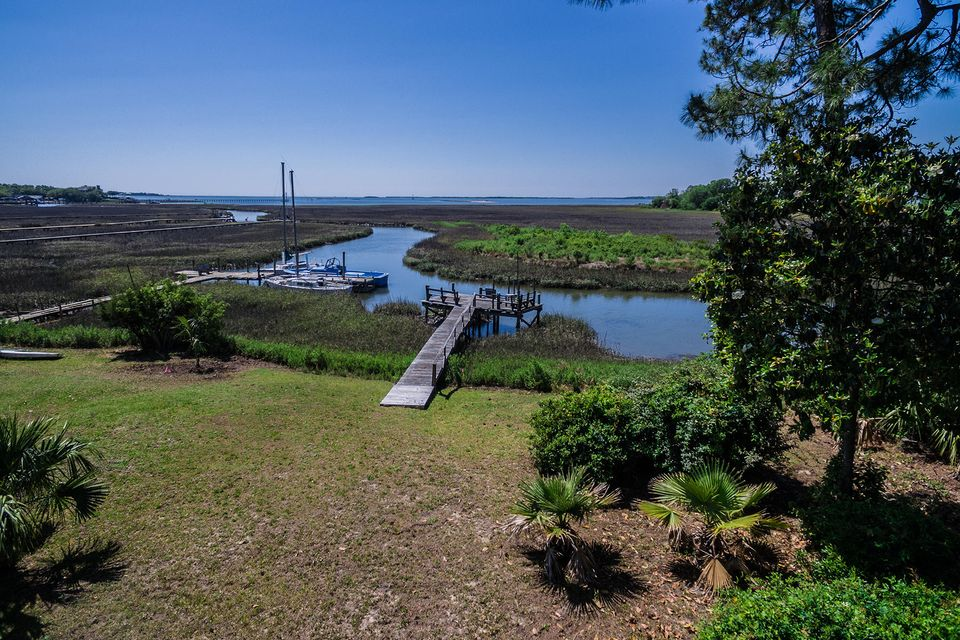 Bay View Acres Homes For Sale - 307 Bayview, Mount Pleasant, SC - 6