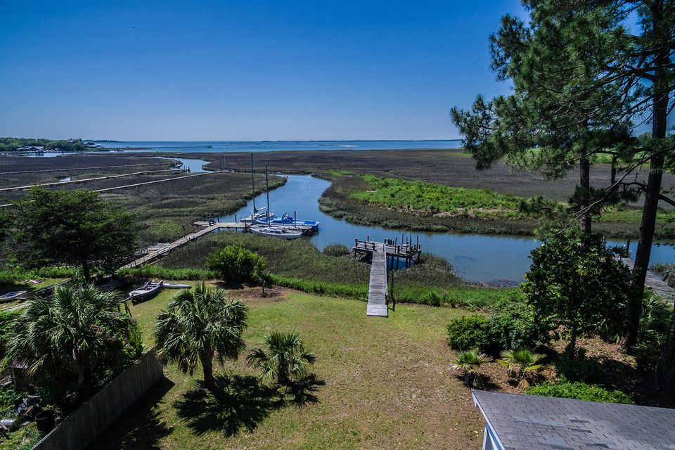 Bay View Acres Homes For Sale - 307 Bayview, Mount Pleasant, SC - 3