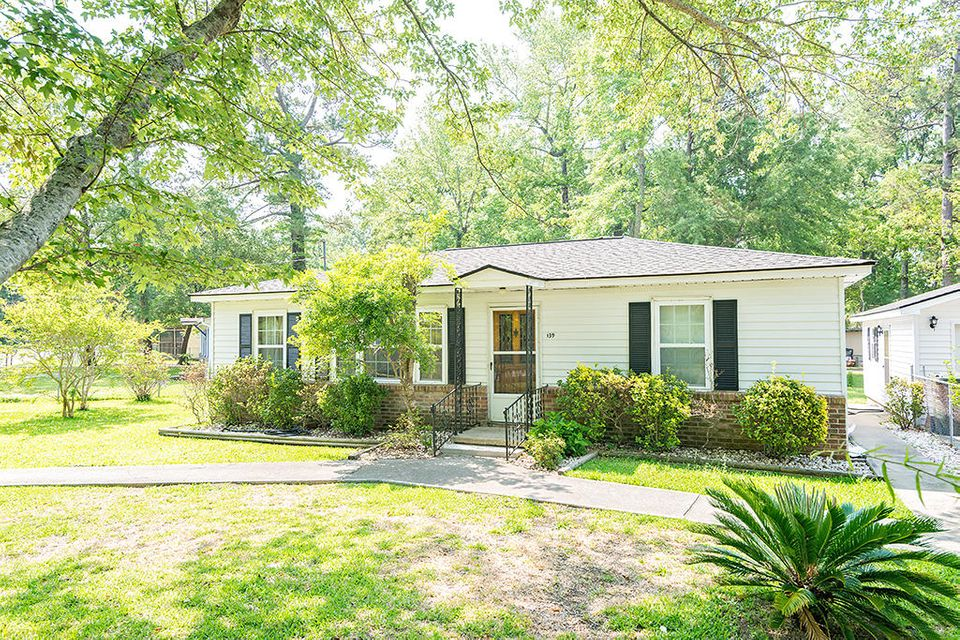 139 Stratton Drive Charleston, SC 29420