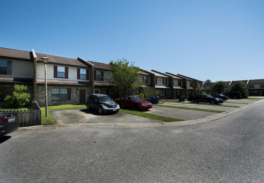 4187  Balmoral Court North Charleston, SC 29418