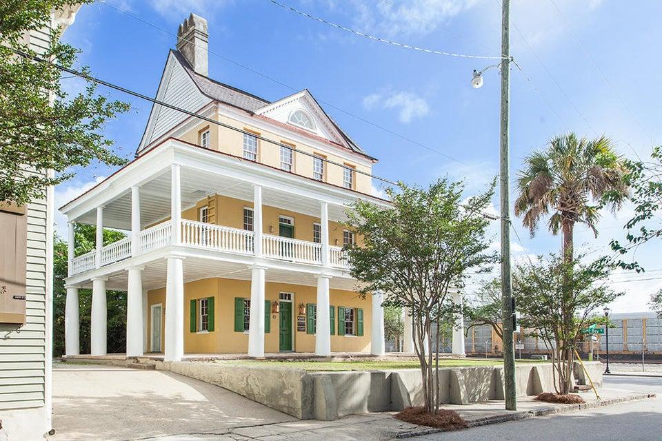 2  Amherst Street Charleston, SC 29403