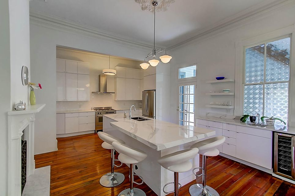 67  Warren Street Charleston, SC 29403