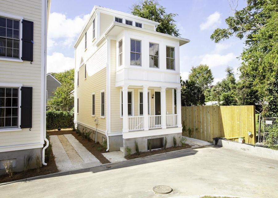 56  Dereef Court Charleston, SC 29403