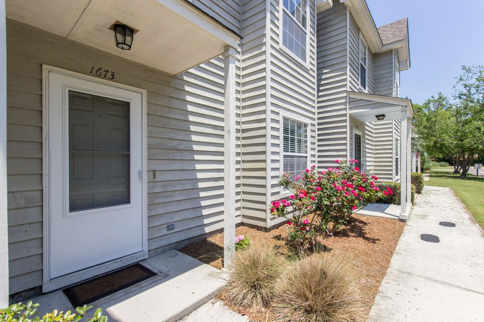 1673  Hunters Run Drive Mount Pleasant, SC 29464