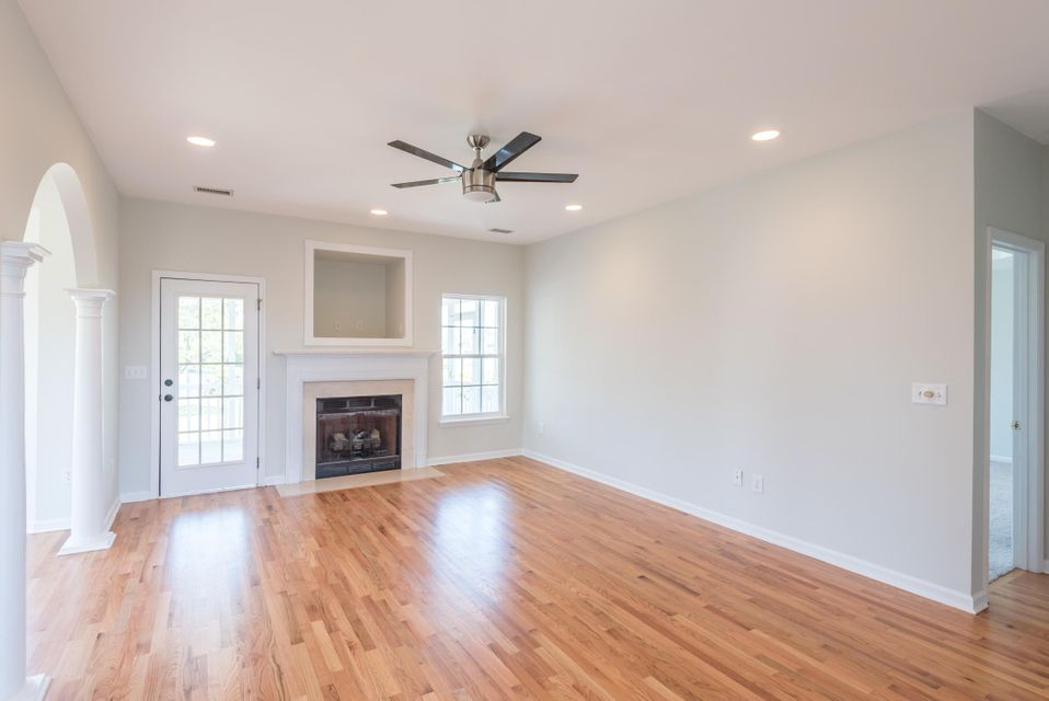 956 Clearspring Drive Charleston, SC 29412
