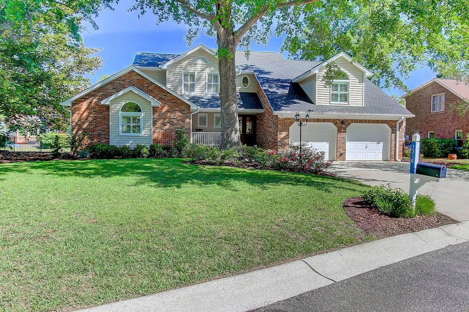 1316  Woodlake Court Mount Pleasant, SC 29464
