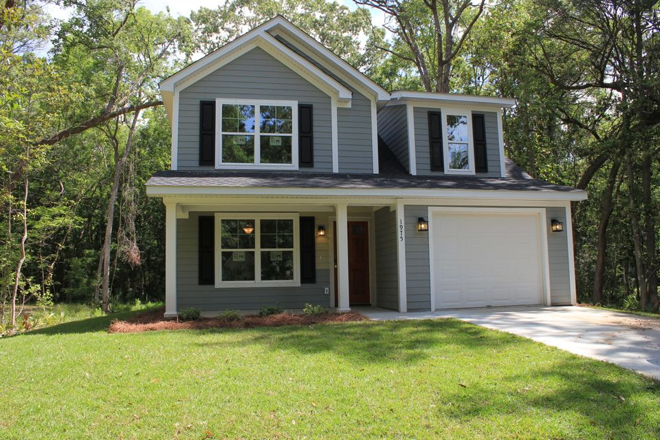 1975  Jewel Street Johns Island, SC 29455