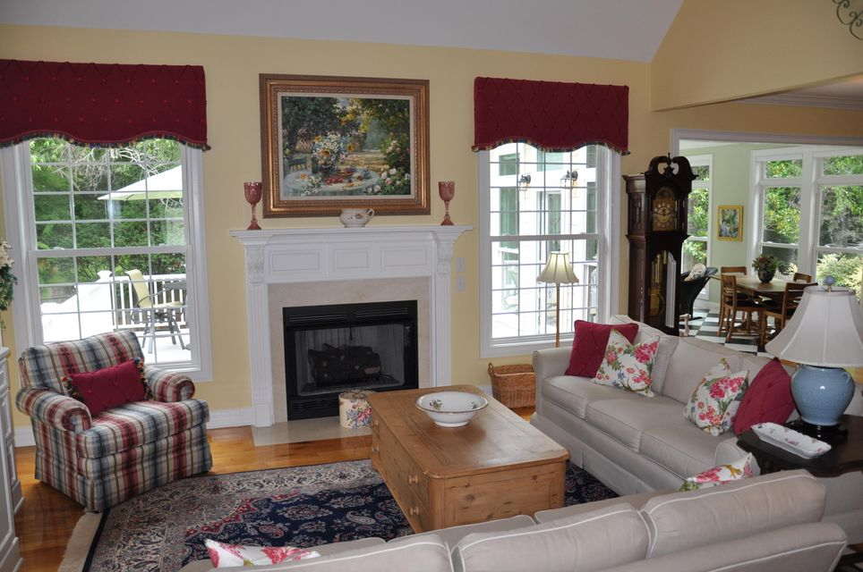 585  White Chapel Circle Charleston, SC 29412