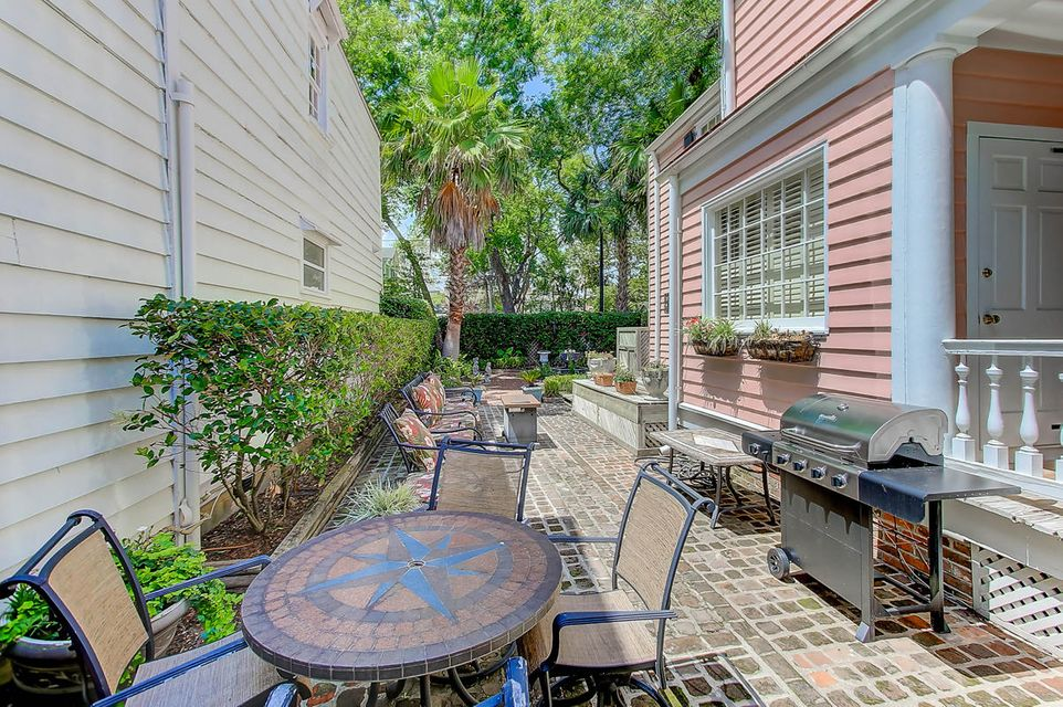 188 Wentworth Street Charleston, SC 29401