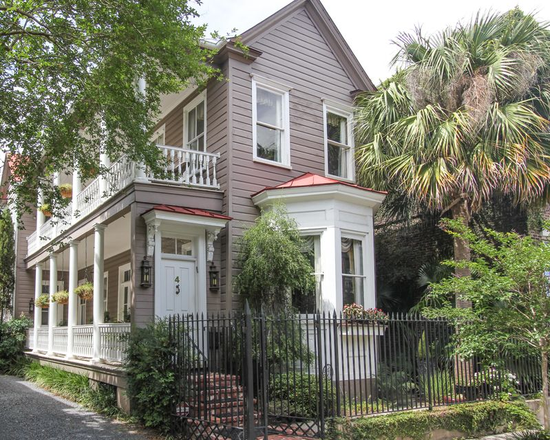 4  Wentworth Street Charleston, SC 29401