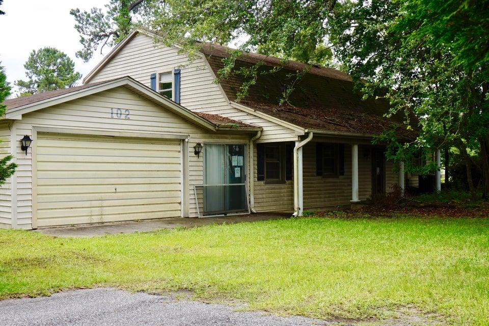 102  Dike View Avenue Bonneau, SC 29431