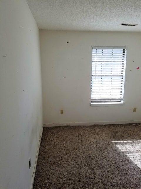 4190 Big Ben Court North Charleston, SC 29418
