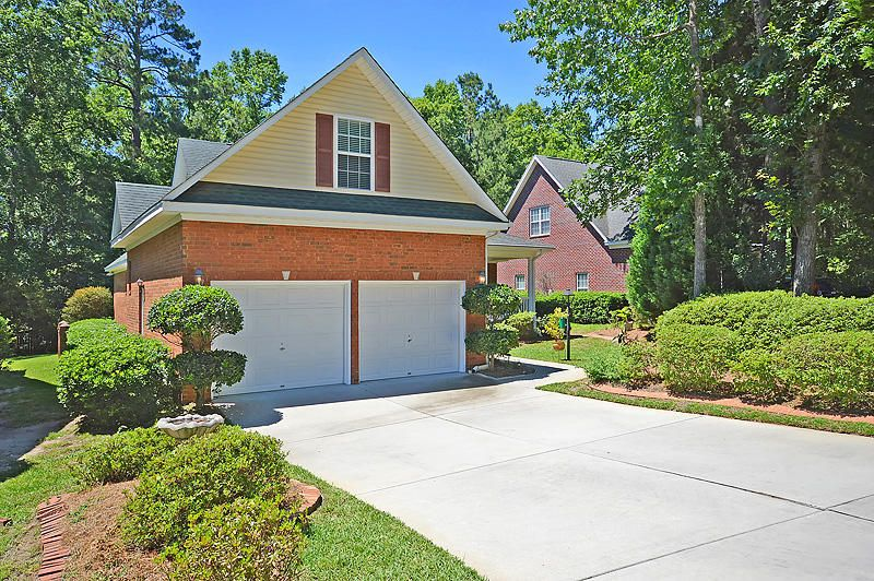 8641  Woodland Walk North Charleston, SC 29420