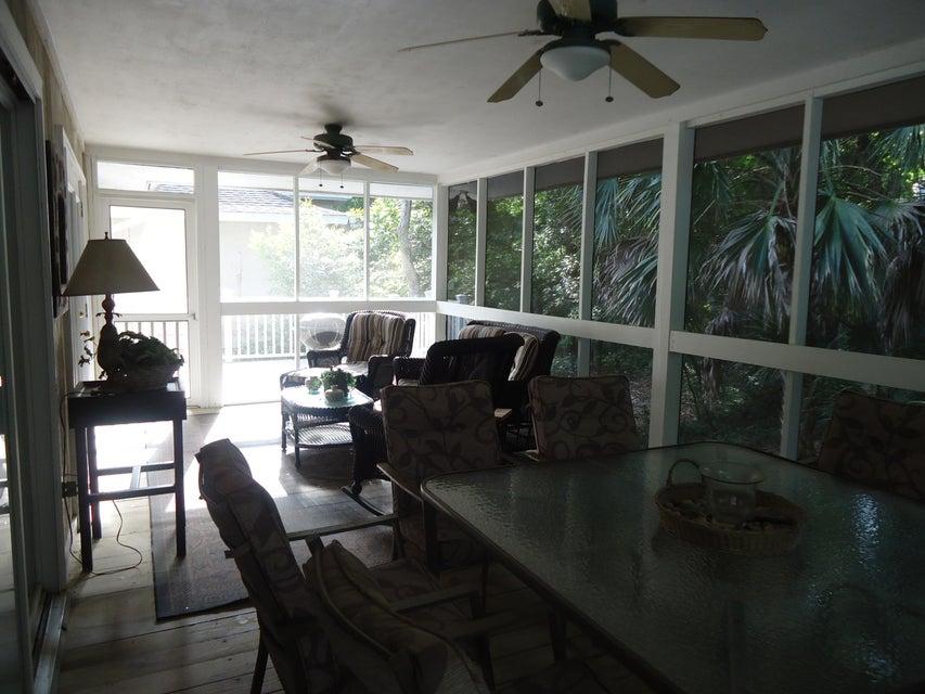 33  Twin Oaks Lane Isle Of Palms, SC 29451
