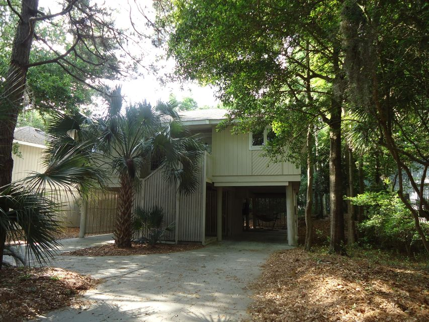 33  Twin Oaks Lane Isle Of Palms, SC 29451