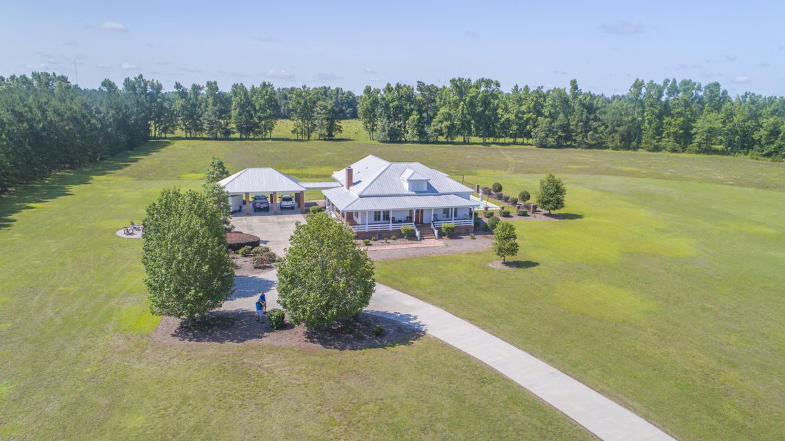 Holly Hill SC Homes for Sale on historic plantation houses, historic plantation homes in louisiana, historic plantation homes in texas, historic homes in alabama book, historic plantation homes in the south, old planation homes sale,