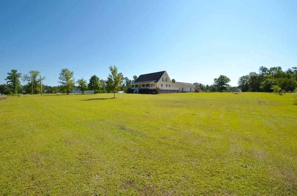 1116  Barnyard Road Bonneau, SC 29431