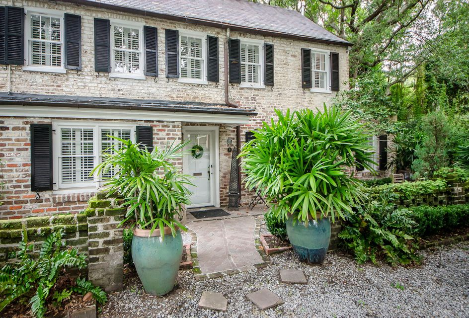 9  Meeting Street Charleston, SC 29401