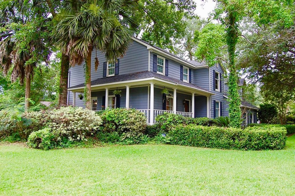 951  Legends Terrace Mount Pleasant, SC 29464