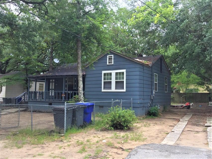 2667  Olympia Avenue North Charleston, SC 29405