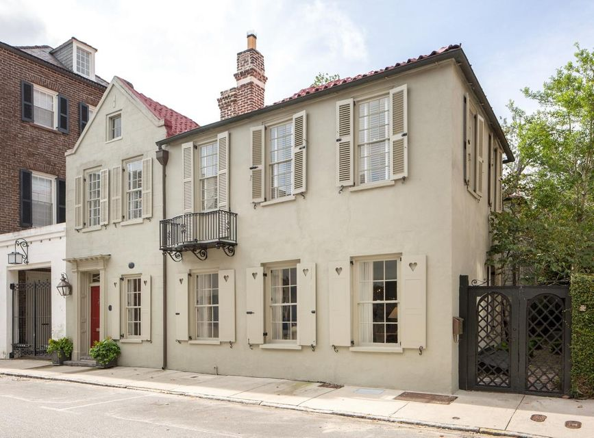 35 Tradd Street Charleston, SC 29401