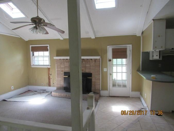2827 Haverhill Circle North Charleston, SC 29420