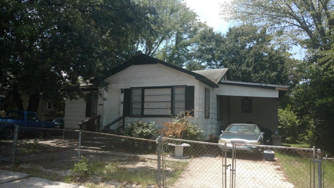 2721  Constitution Avenue North Charleston, SC 29405