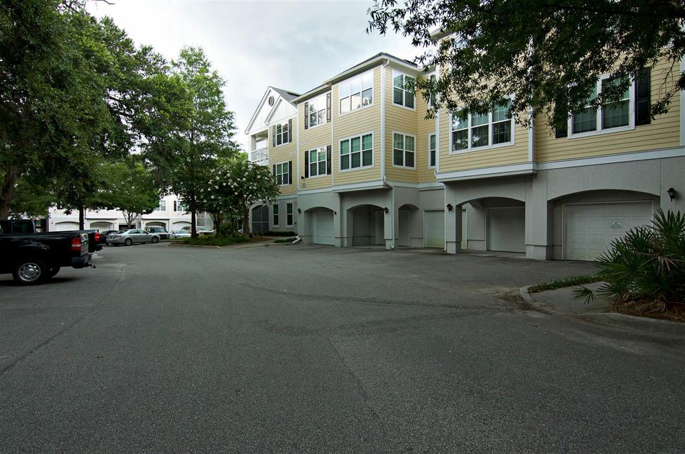 60  Fenwick Hall Allee Johns Island, SC 29455