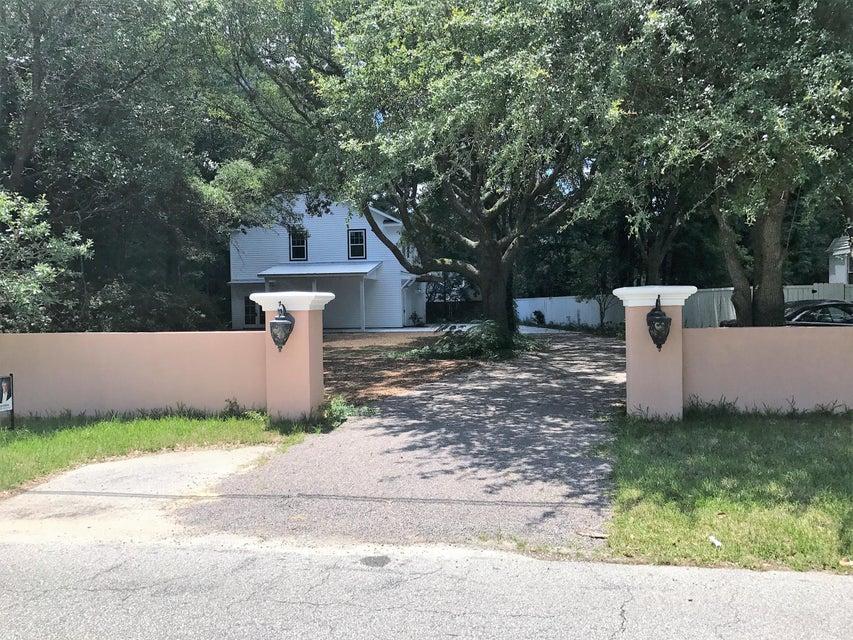 1667 Pearlott Street Charleston, SC 29407