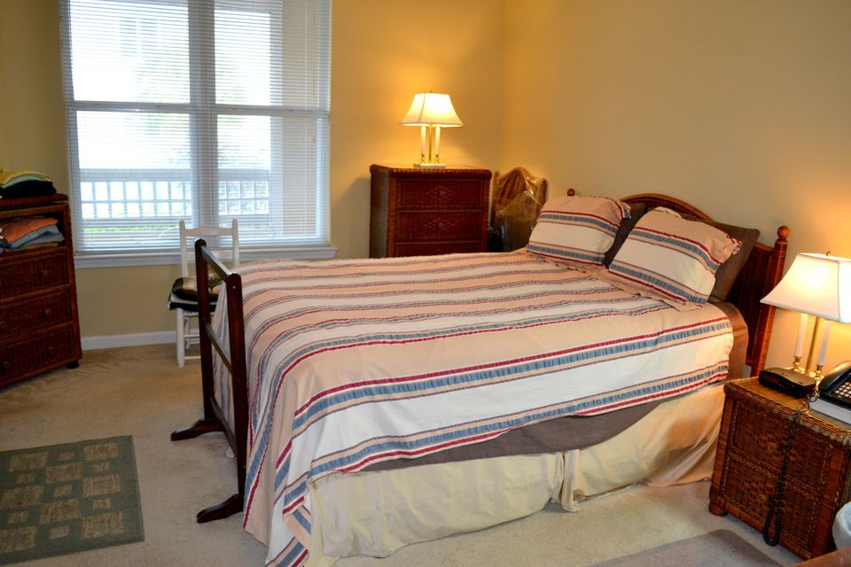 100  Bucksley Lane Charleston, SC 29492