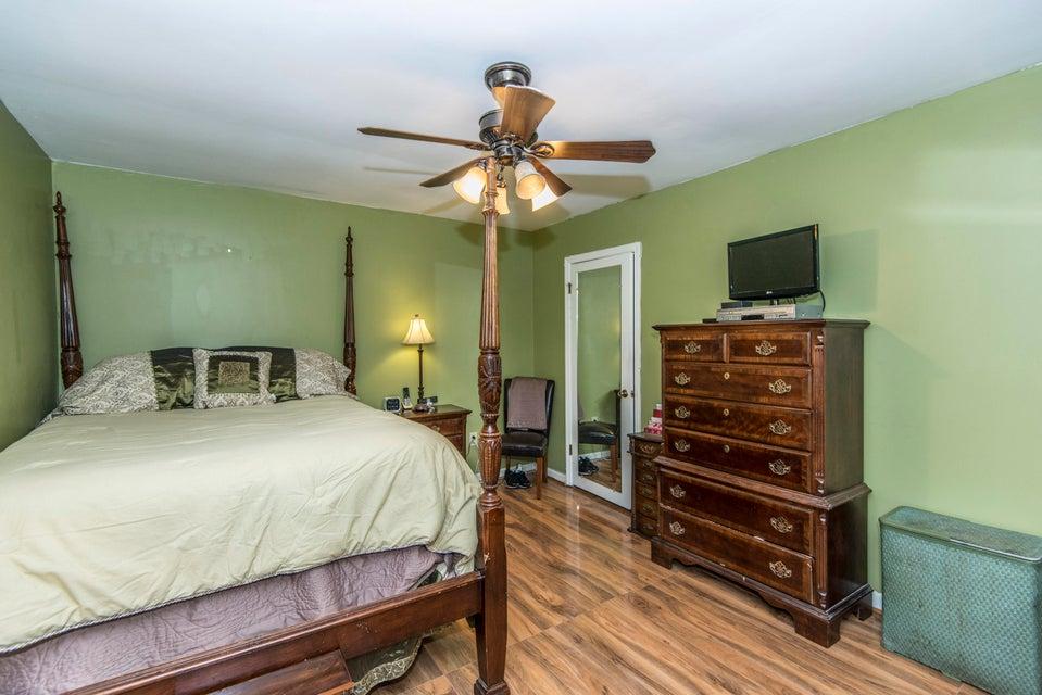 1784  Banbury Road Charleston, SC 29414