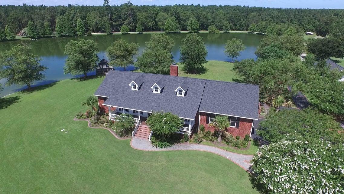 147 Lake Drive Ridgeville, SC 29472