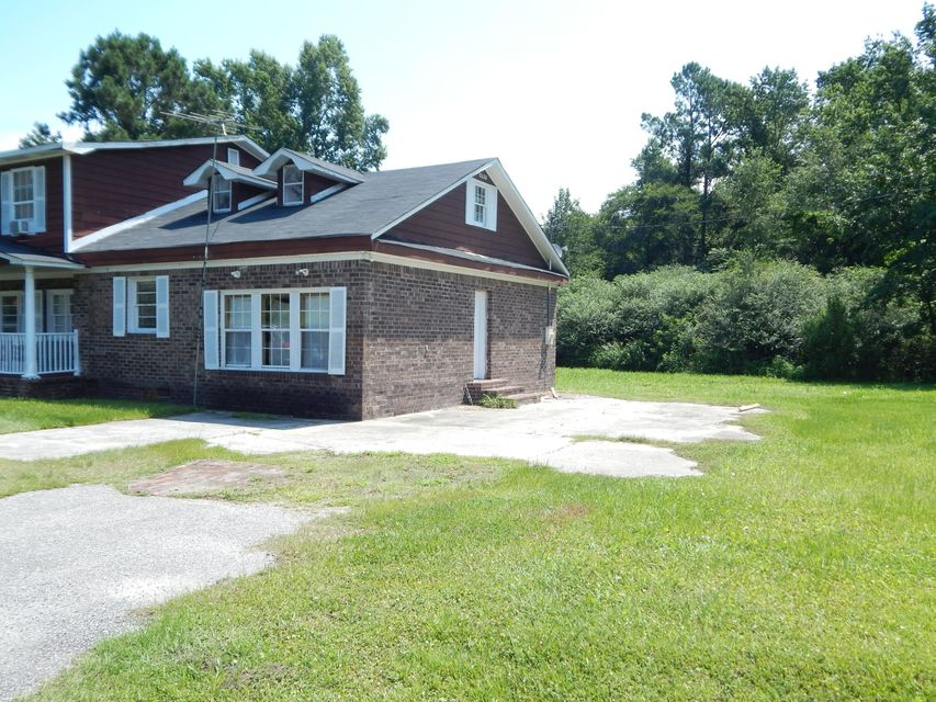 1222  Queenie Road Moncks Corner, SC 29461