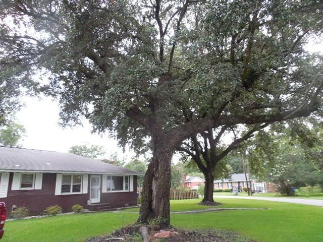 1901  Aichele Drive North Charleston, SC 29406