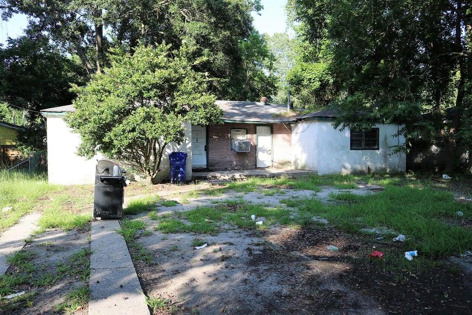 4208 Barnwell Avenue North Charleston, SC 29405
