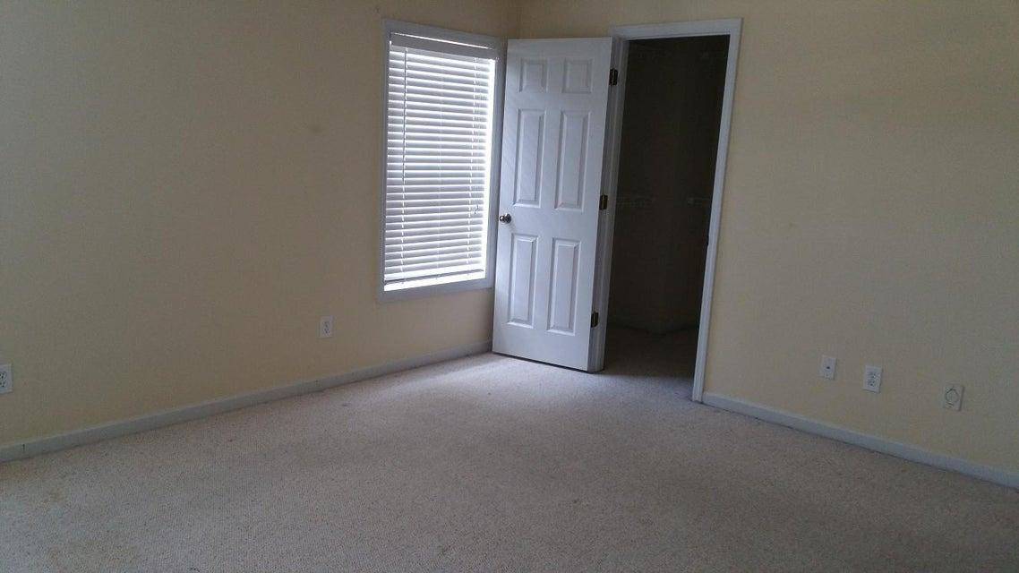 7814  Sabalridge Drive North Charleston, SC 29418