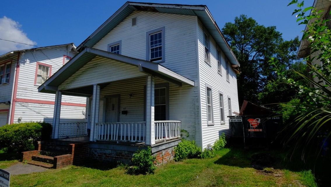 49  Maple Street Charleston, SC 29403
