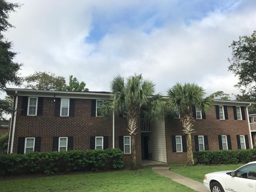 21  Rivers Point Row Charleston, SC 29412