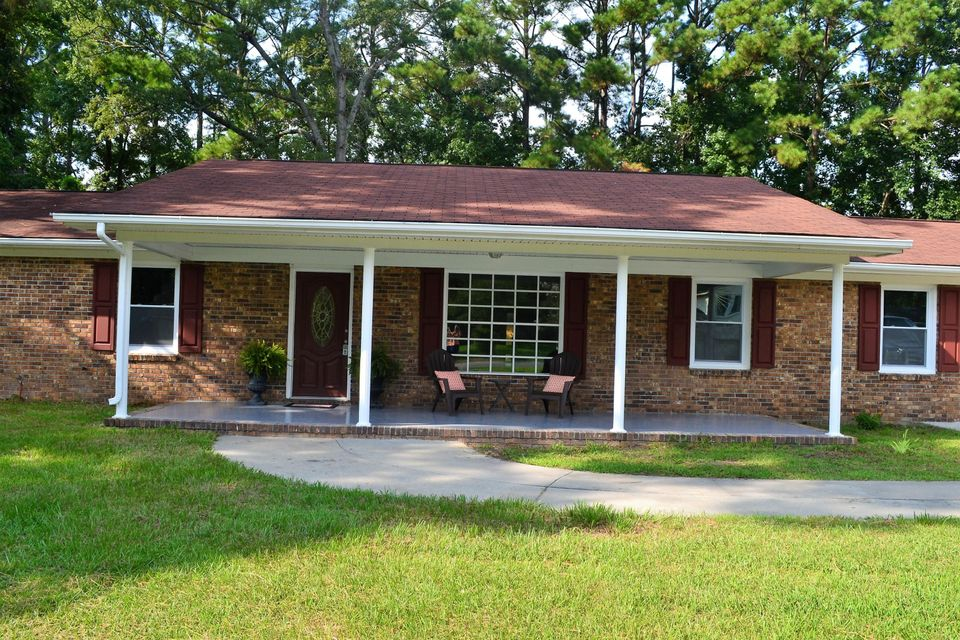 111  Six Iron Lane Summerville, SC 29483