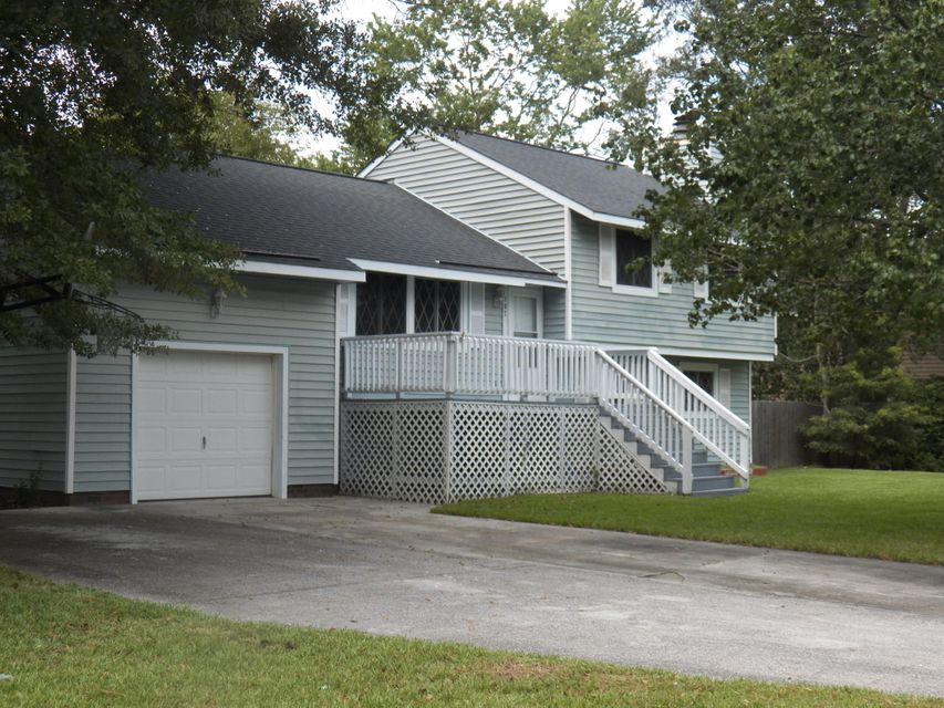 107  Woodbridge Drive Summerville, SC 29485