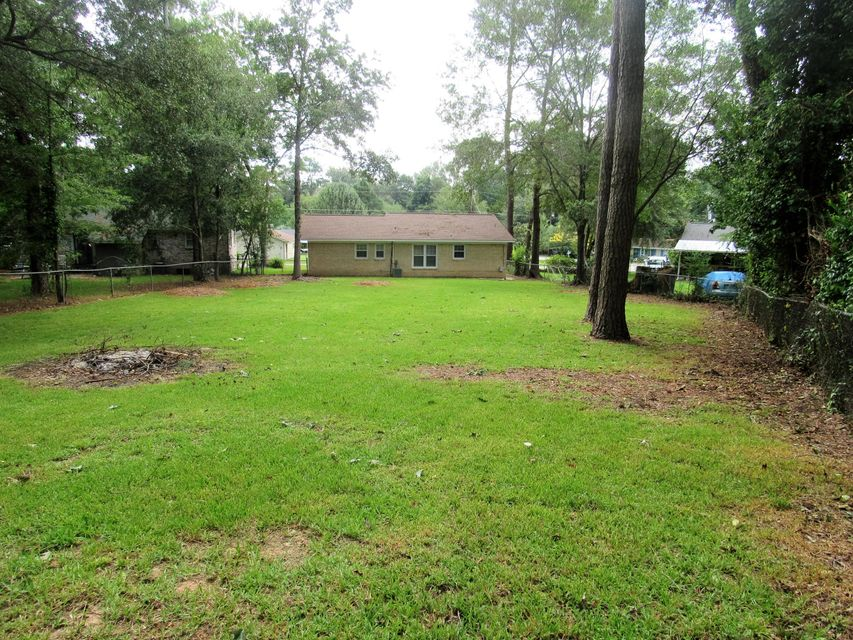 102 E Walnut Circle Summerville, SC 29485