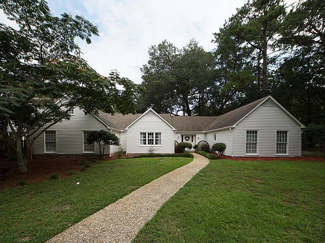 111 W Walker Drive Summerville, SC 29483