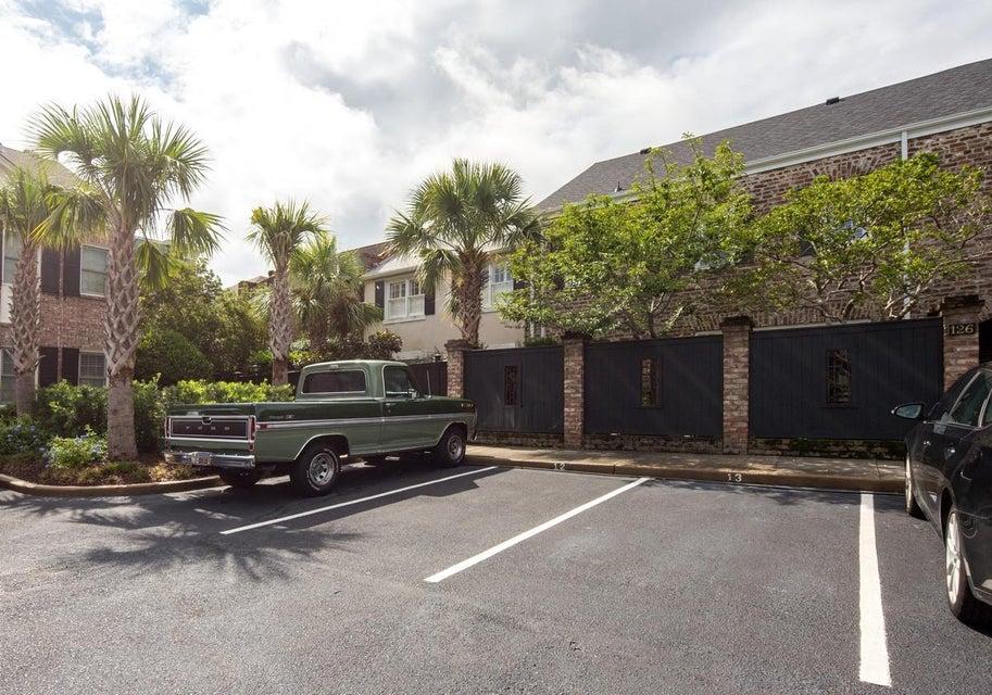 122  Queen Street Charleston, SC 29401